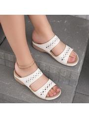 Papuci dama albi Tacita