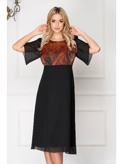 Rochie neagra eleganta midi din voal cu un croi drept si decolteu la baza gatului