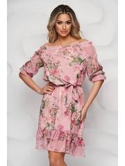 Rochie StarShinerS cu imprimeu floral midi din material subtire cu volanase la baza rochiei si cu maneci prinse in elastic