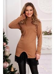 Bluza dama cappuccino lunga tricotata pe gat cu aplicatii de dantela
