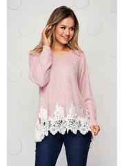 Bluza dama roz prafuit tricotata cu croi larg si aplicatii de dantela