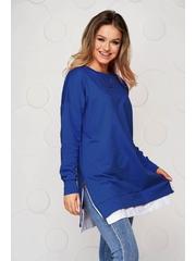 Bluza dama SunShine albastra din material usor elastic cu croi larg accesorizata cu lant metalic