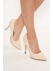 Pantofi crem eleganti cu varful usor ascutit