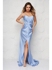 Rochie albastru-deschis de lux din satin lunga crapata pe picior cu push-up si umeri goi