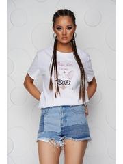 Tricou SunShine alb din bumbac cu croi larg cu decolteu rotunjit si aplicatii cu paiete