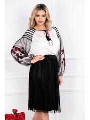 Bluza alba cu motive traditionale si tul negru